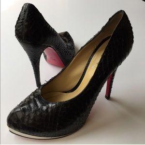 Massimo Dogana black platform heels